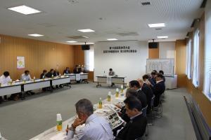 『第2回常任委員会の写真4』の画像